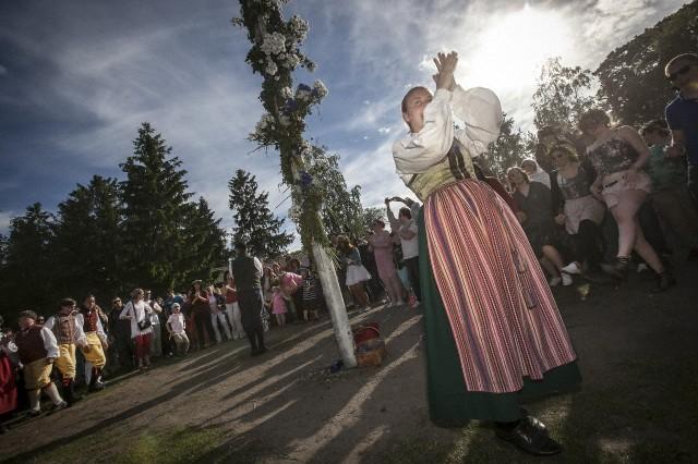 スウエーデンの夏至祭の様子