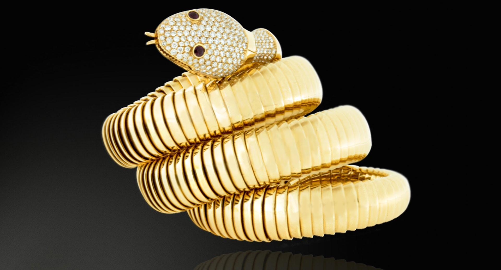 ヘビの形をした宝飾時計