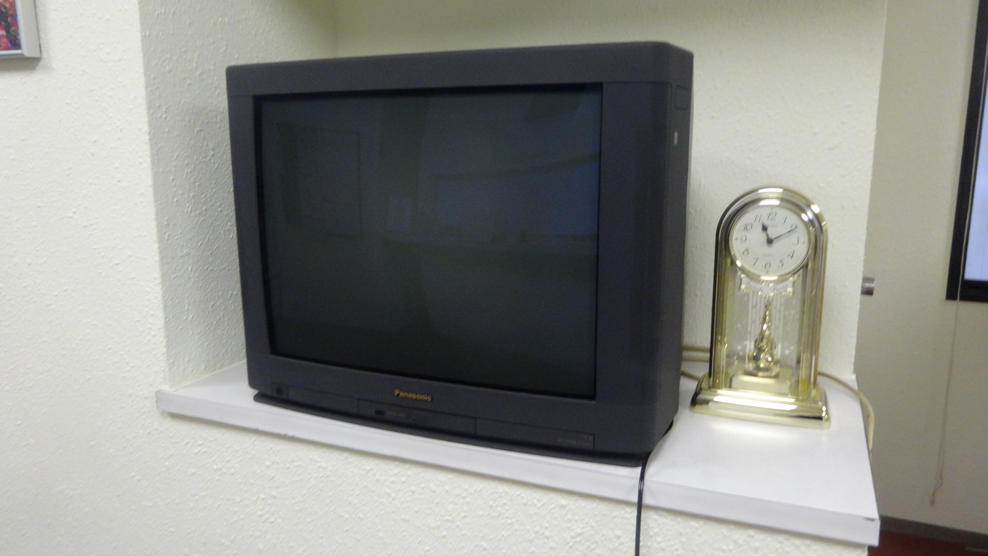 ブラウン管テレビの写真