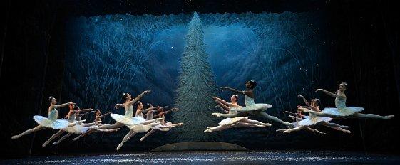 雪の精たちの踊2