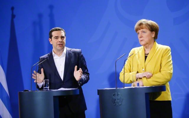 ドイツ・ギリシャ首相の記者会見の様子