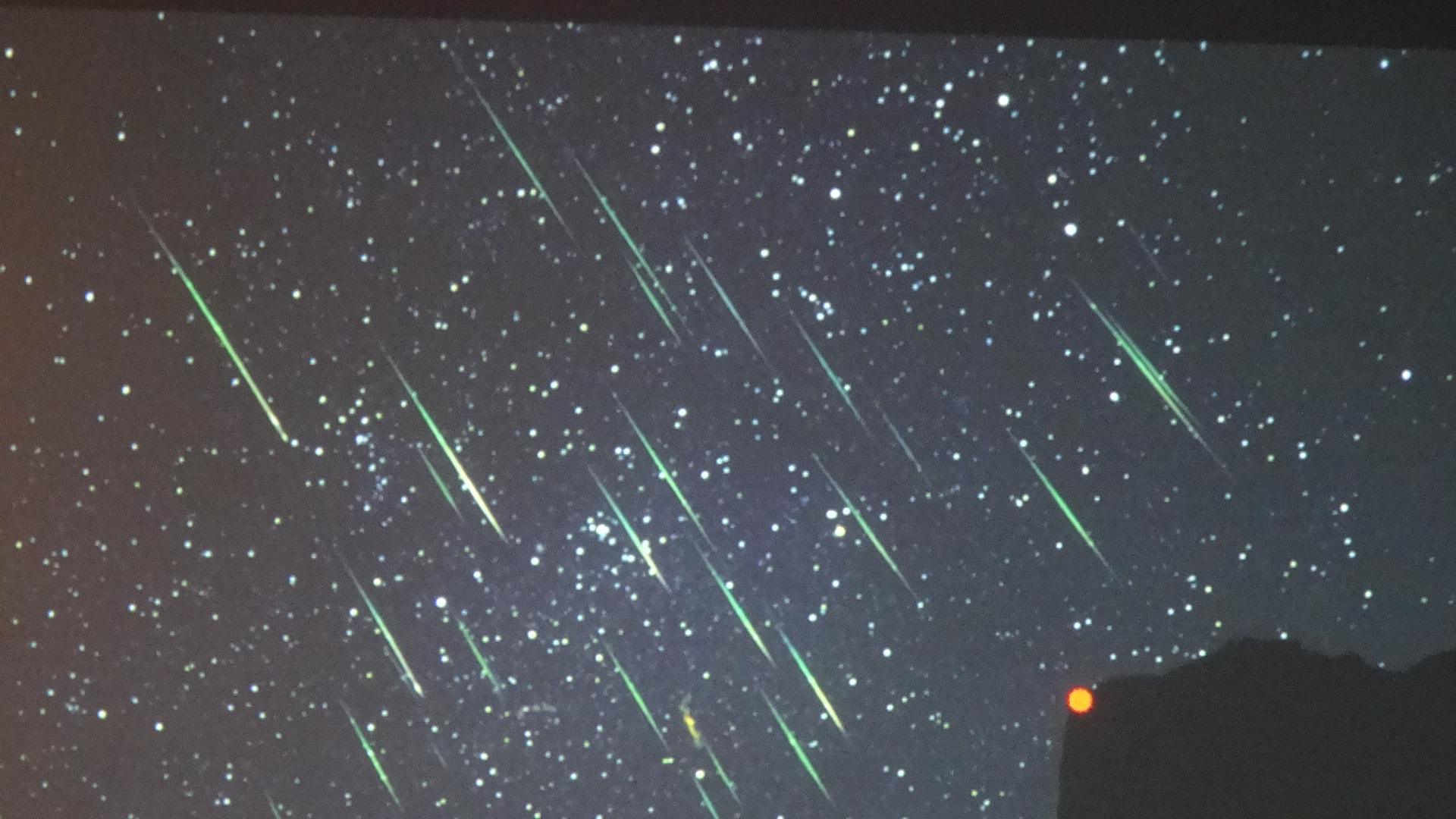 たくさんの流れ星