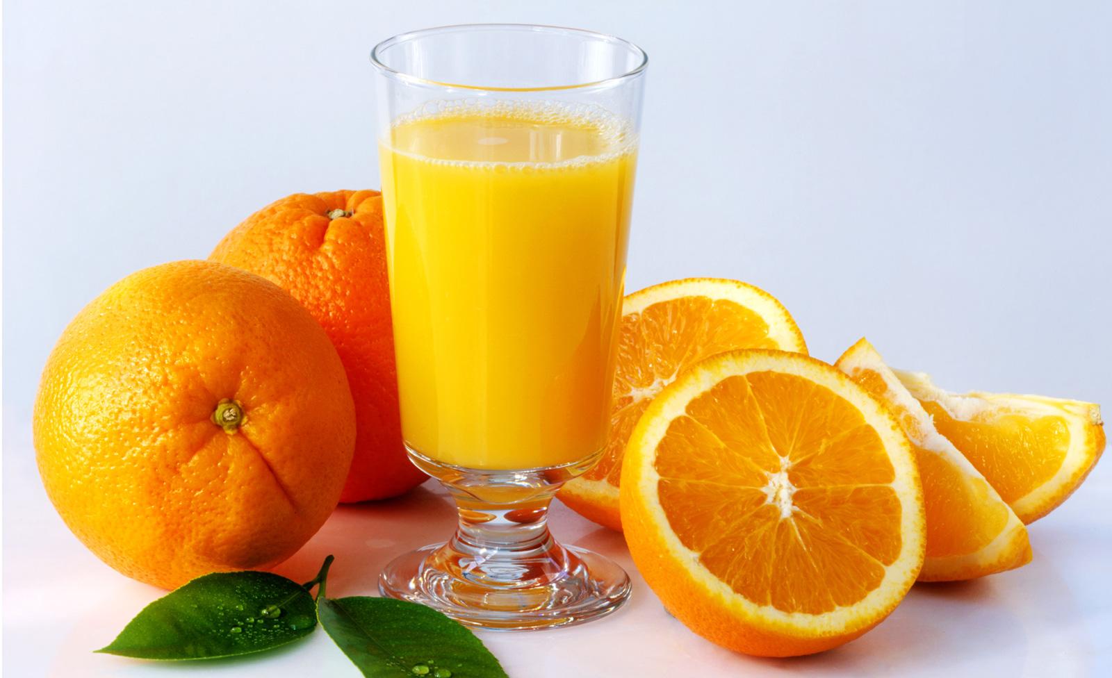 果実のフレッシュジュース