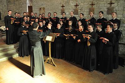 グレゴリオ聖歌を歌う聖歌隊