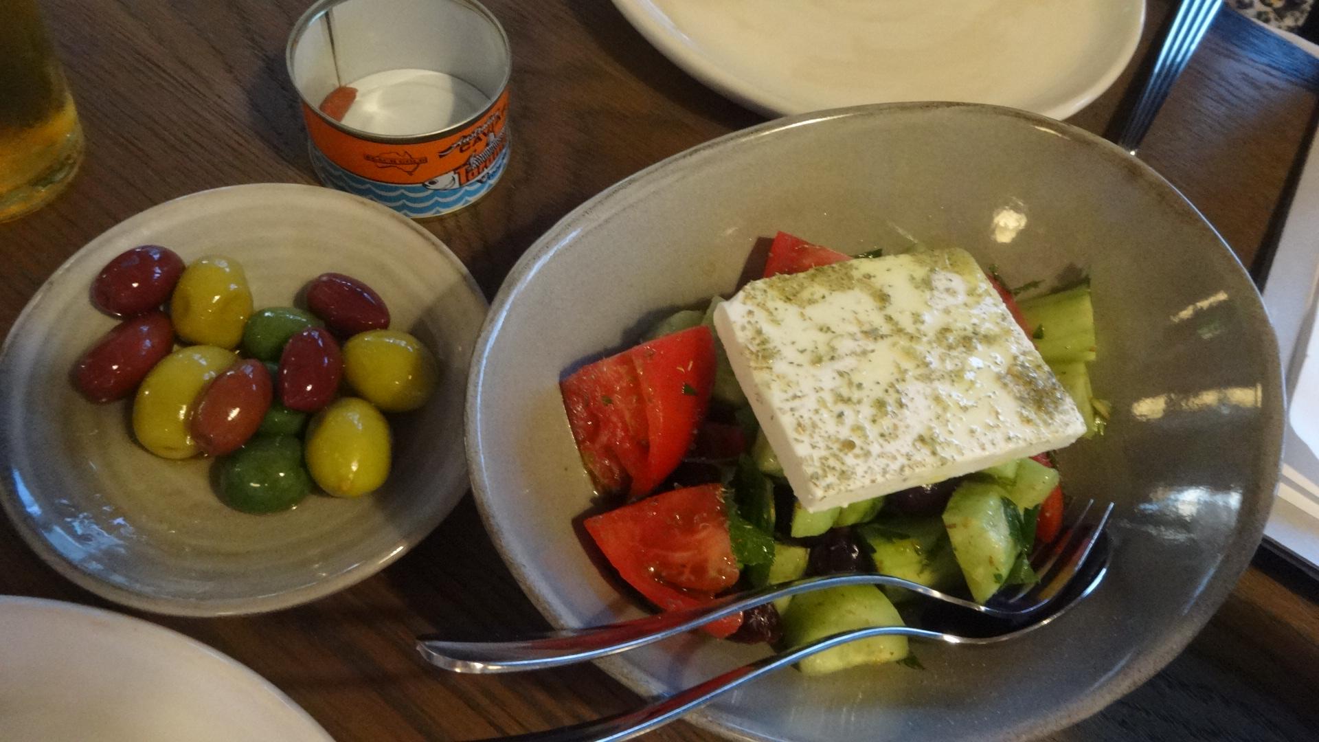 オリーブとグリークサラダ