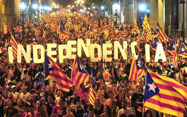 バルセロナで行われたカタルーニャ独立騒ぎのデモ