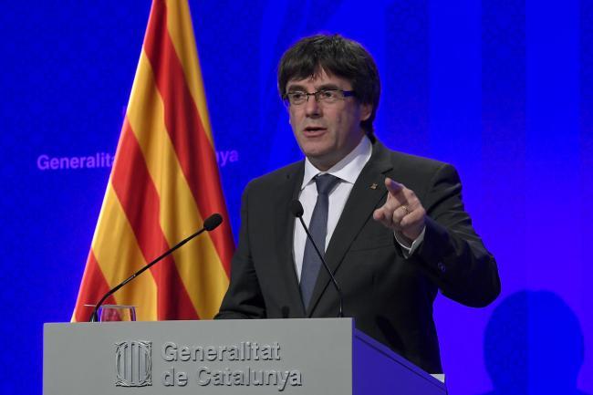 中央政府の会見に反対するカタルーニャ議会の指導者