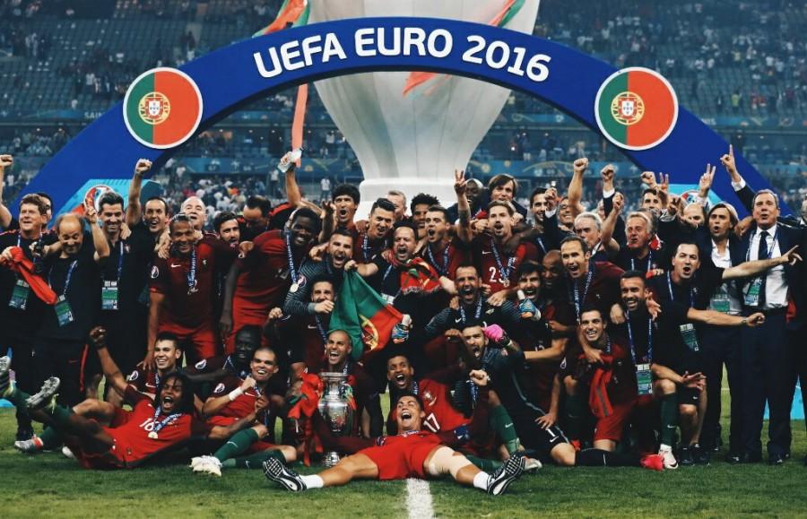 優勝を喜ぶポルトガルチーム