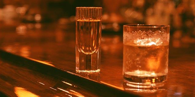チェイサーのグラス