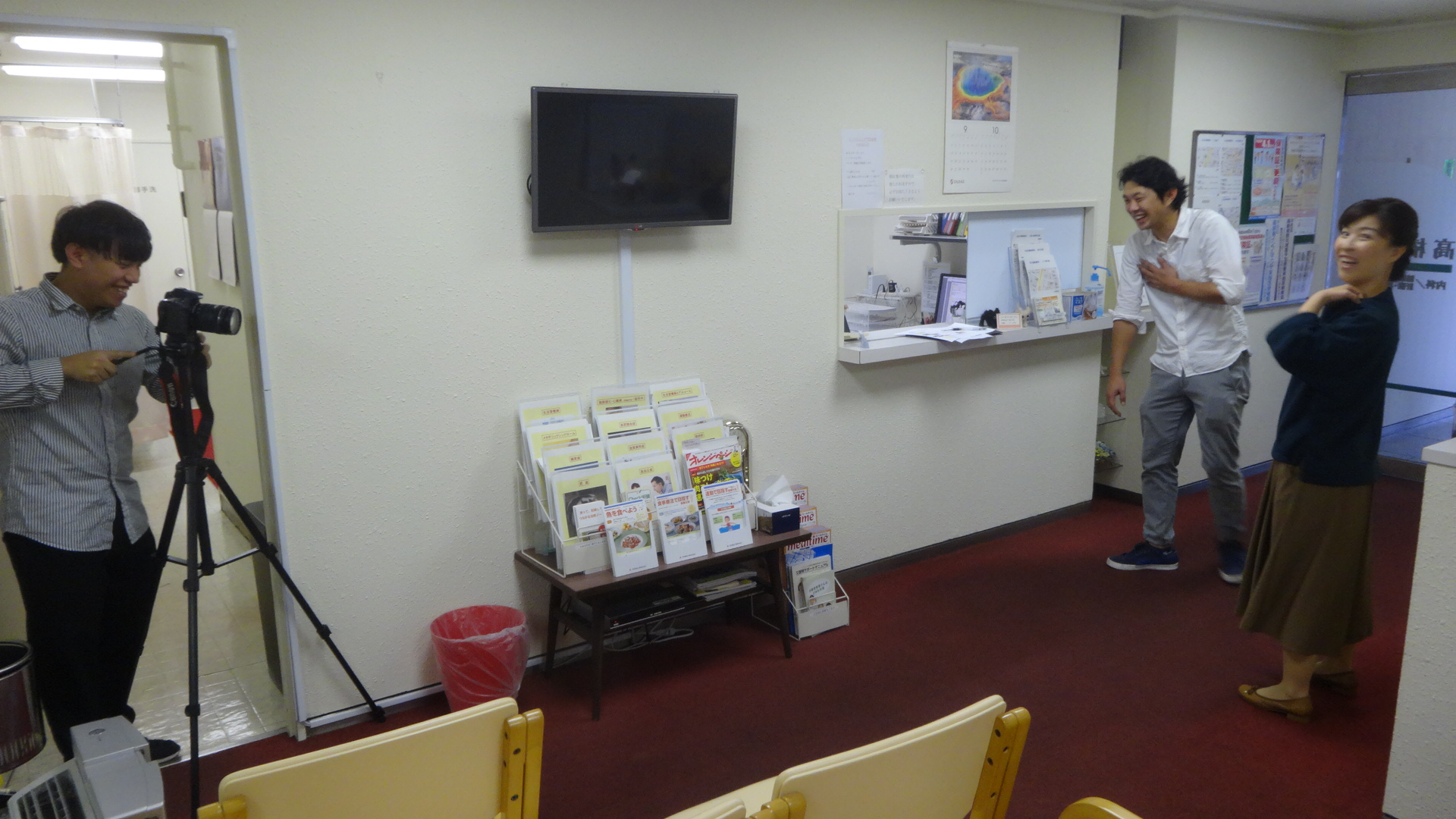 待合室での撮影風景