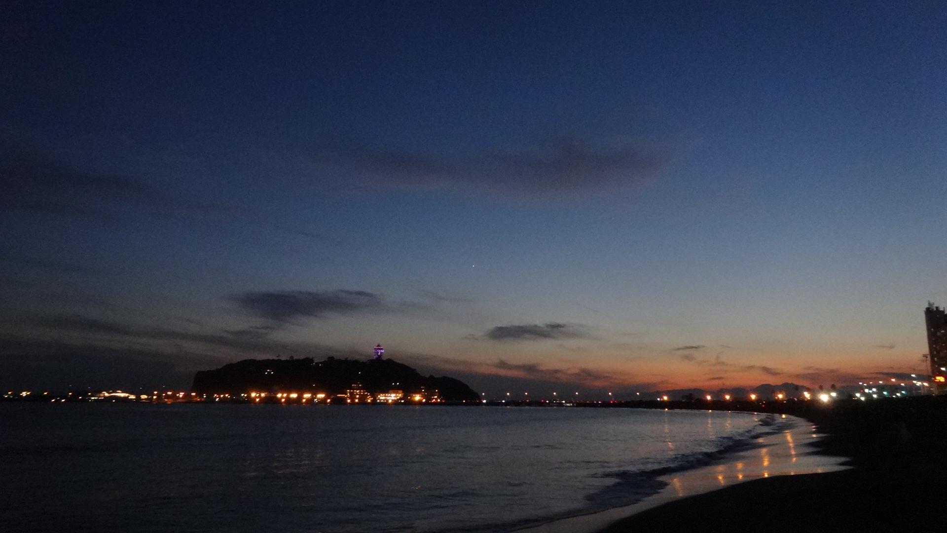 日が沈んだあと 刻一刻と空の蒼さが濃さを増していくさ1