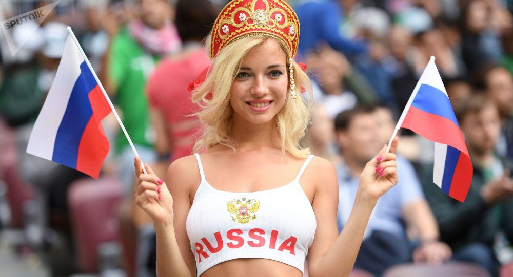 ロシアの美女サポーターの写真