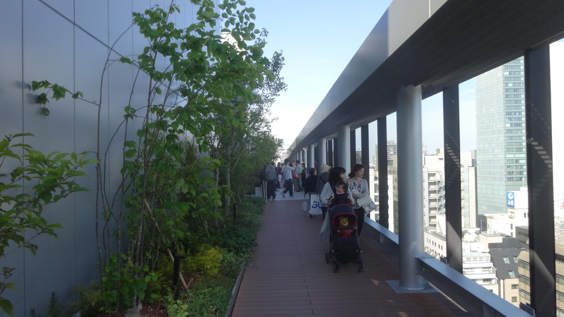 回廊状の通路