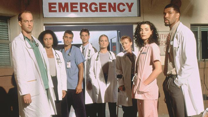 救急室に勤務する医療従事者
