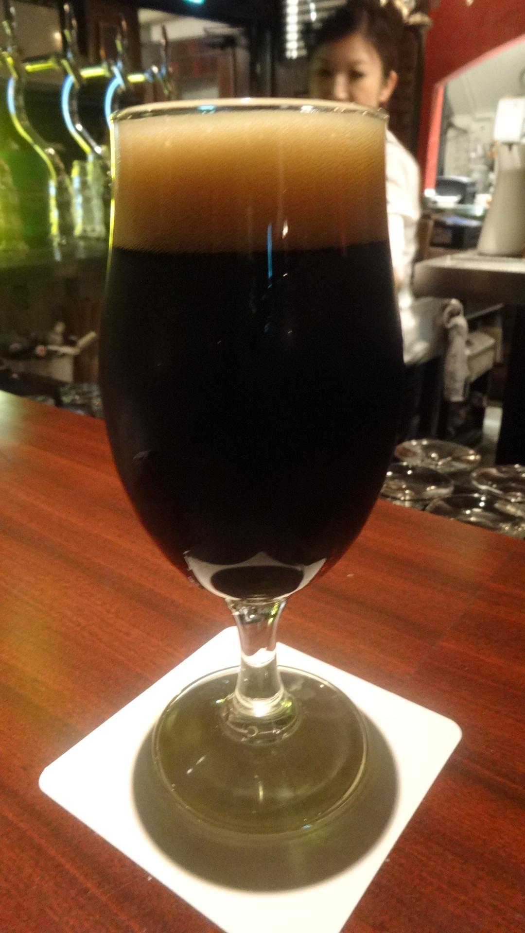山梨のボックビールのグラス