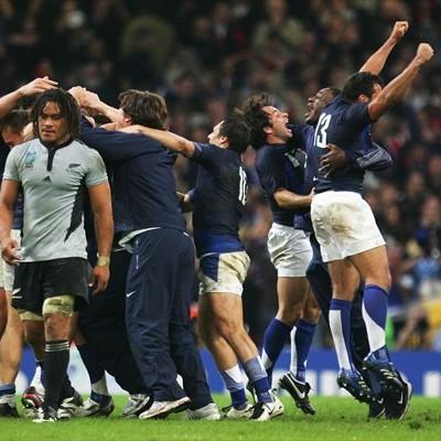 勝利を喜ぶフランスチーム