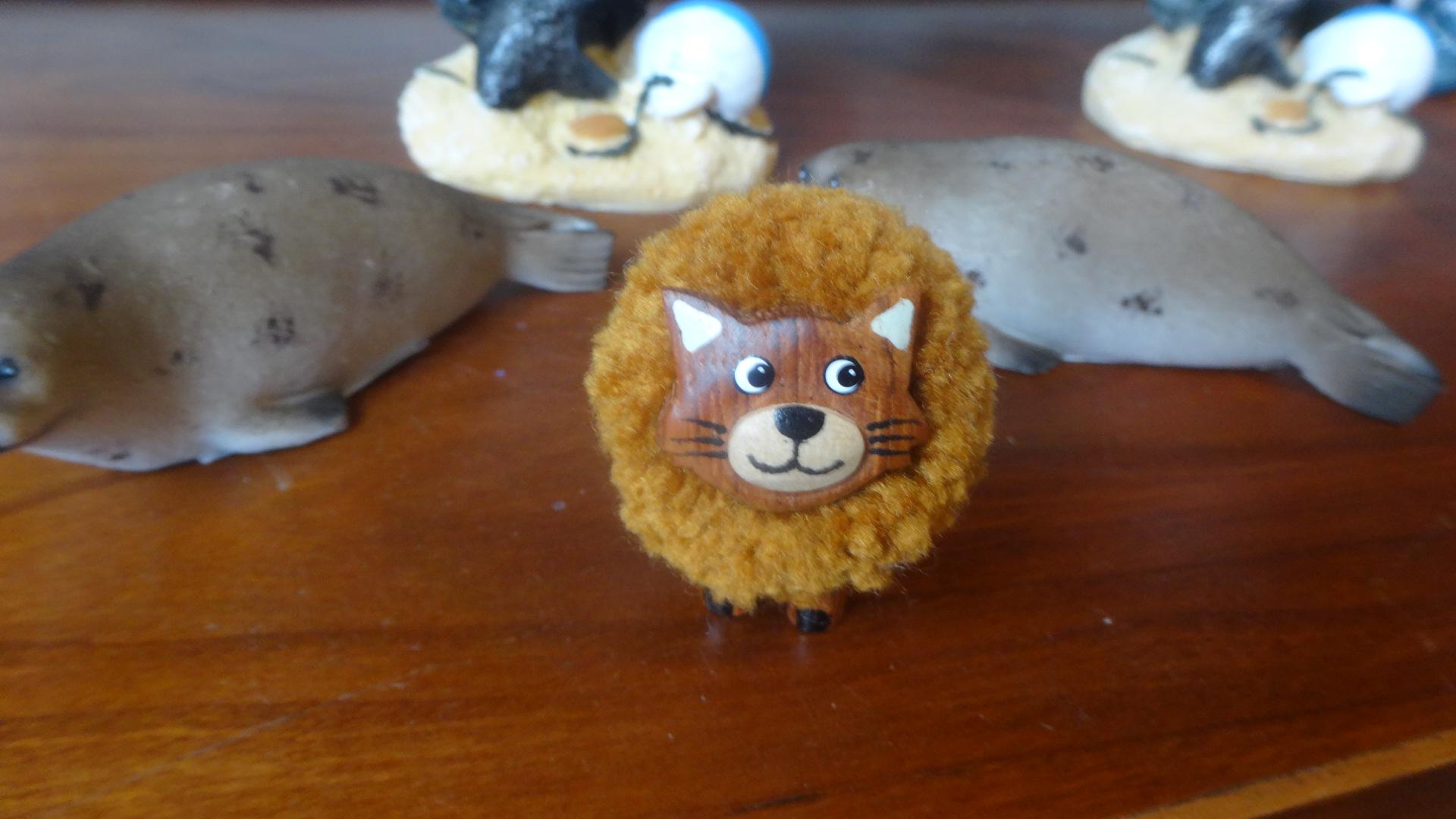 羊の毛でできたネコさん