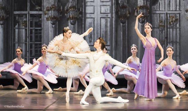 舞台の上のリラの精とオーロラ姫 王子様