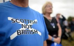 スコットランドのイギリスからの独立を訴えるTシャツ
