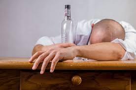 きつい飲み会のあとに酔いつぶれた人