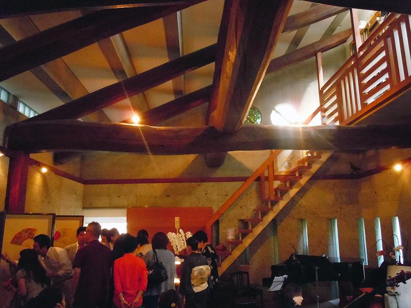梅若能楽学院会館の内部の様子