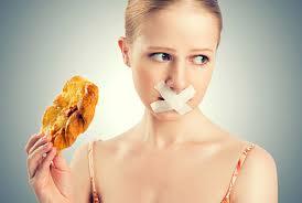ダイエット中の食欲に悩む人