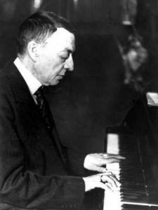 ピアノを弾くラフマニノフ