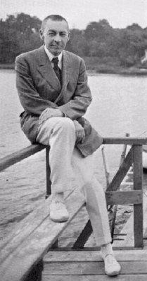 湖畔でくつろぐラフマニノフ