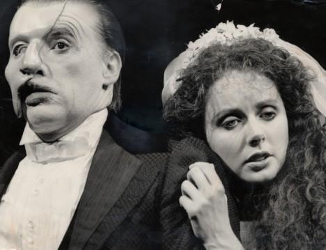オペラ座の怪人のヒロインを演じるサラ