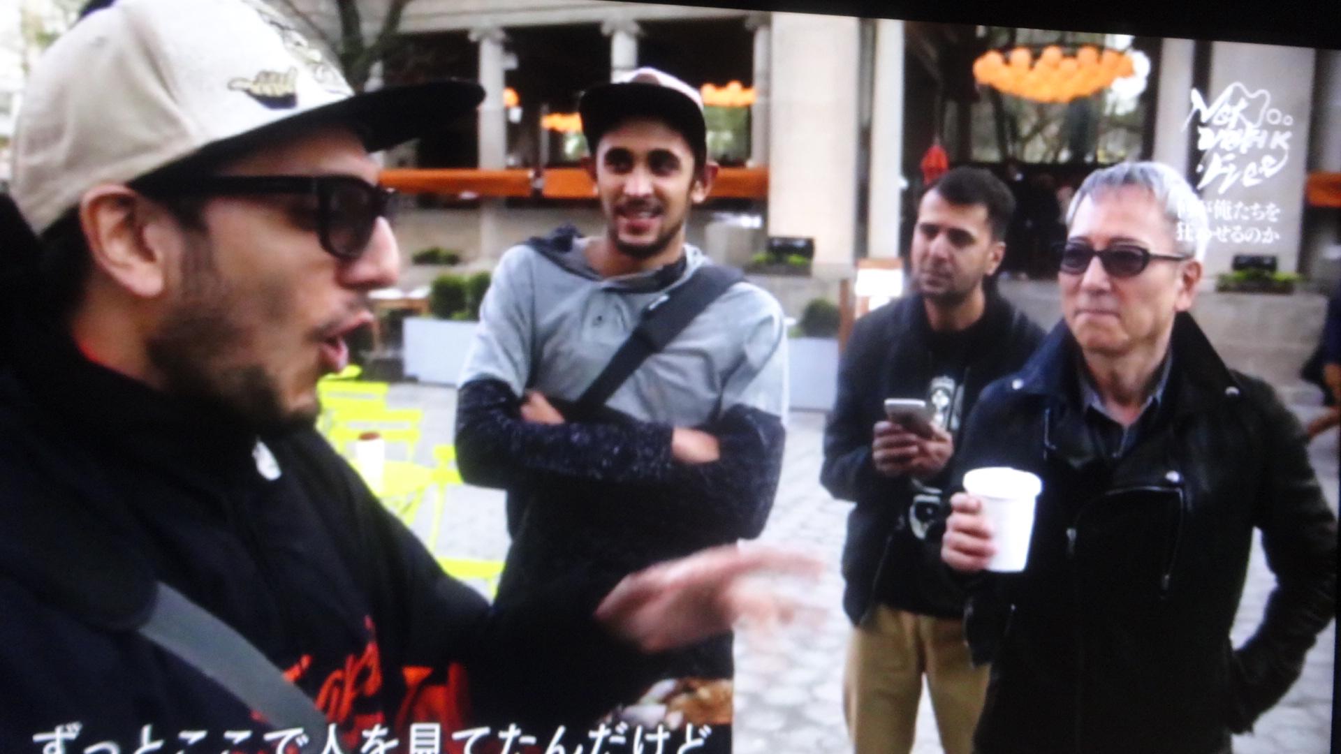 ニューヨークでストリートミュージシャンと語る佐野元春