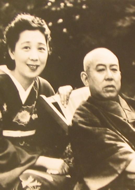 谷崎夫妻の写真