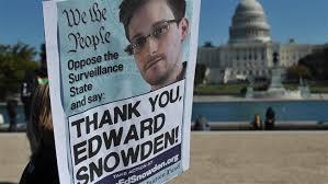 スノーデンさんを支持する人たちのデモ