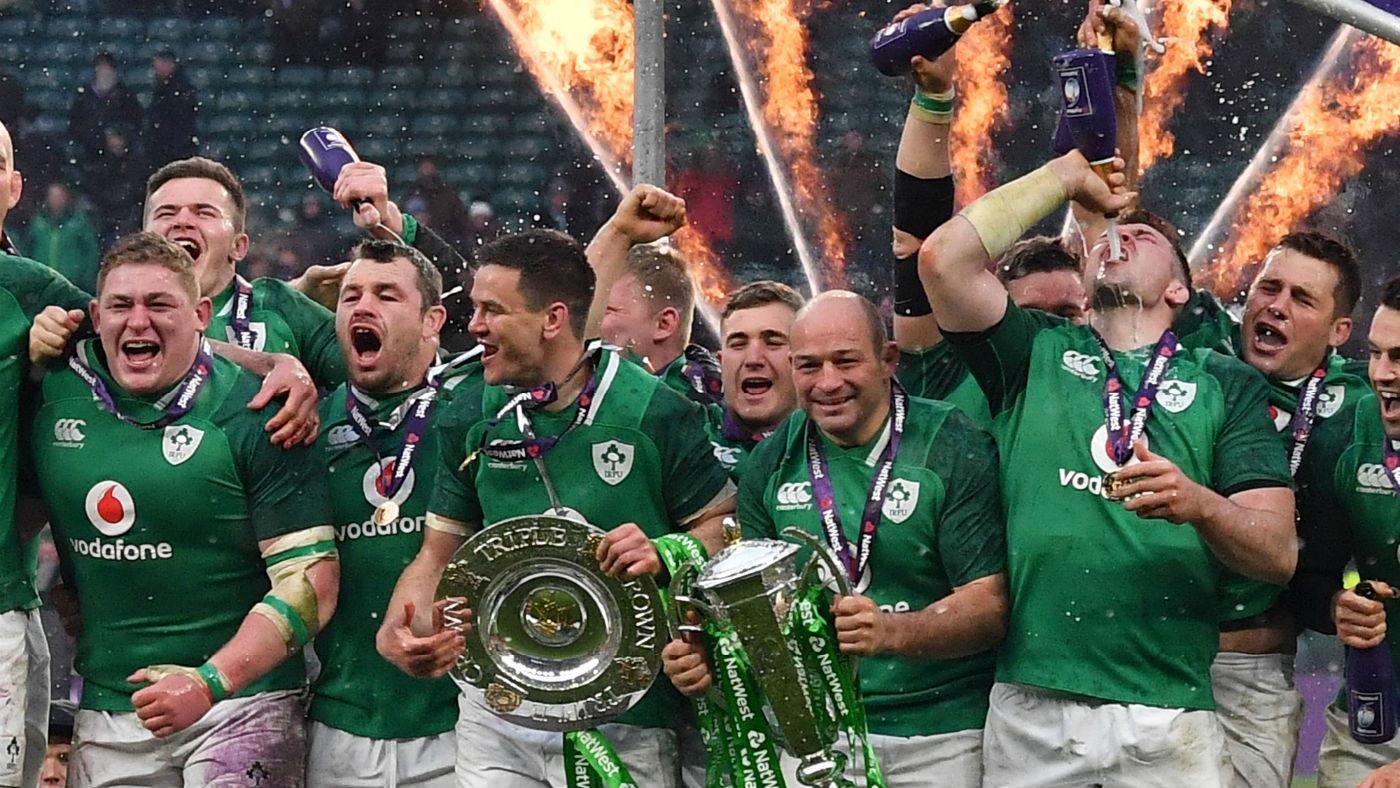 シックス・ネイションズでの優勝を喜ぶアイルランドの選手たち