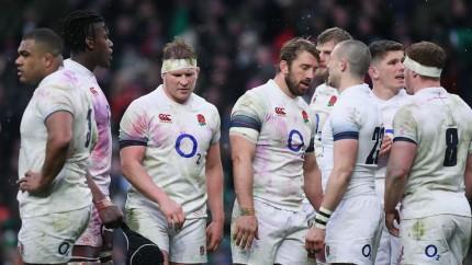 落胆するイングランドチーム