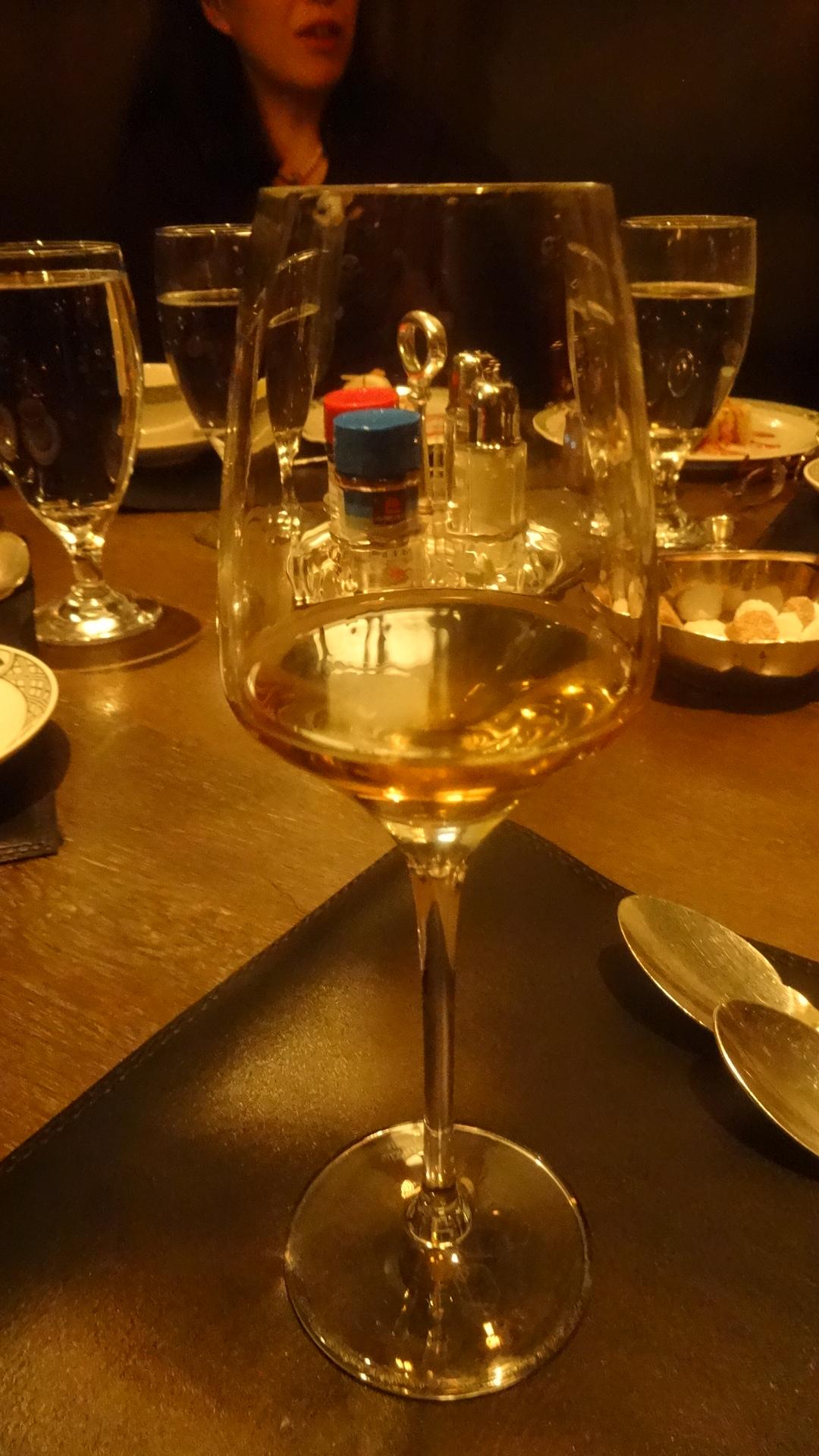 食後酒が注がれたグラス