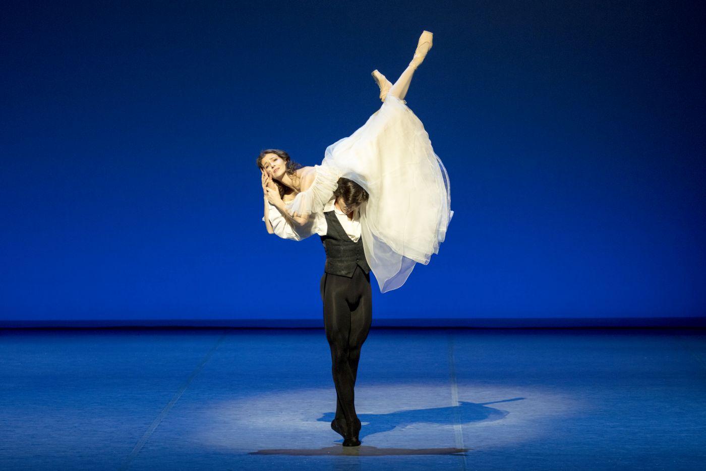 マルグリットとアルマンがふたりで踊るシーン2