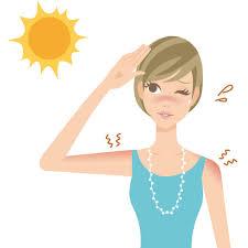 日焼けする女性