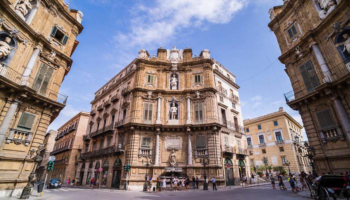 シチリアの街角