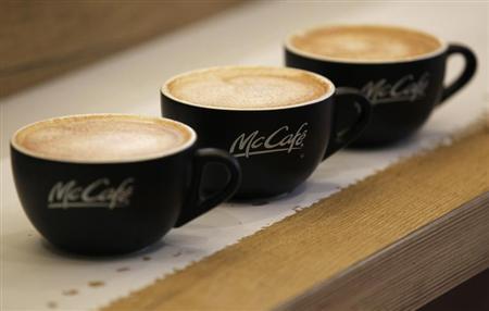 3杯のコーヒーカップ