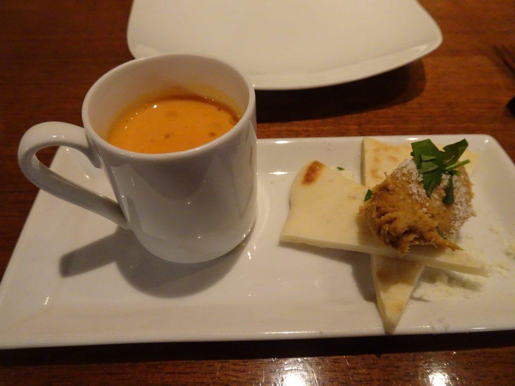 濃厚なスープとパテ
