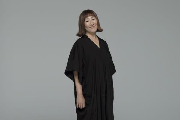 歌う矢野顕子さん