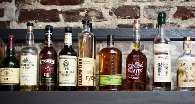 ライ・ウイスキーのボトルの写真2