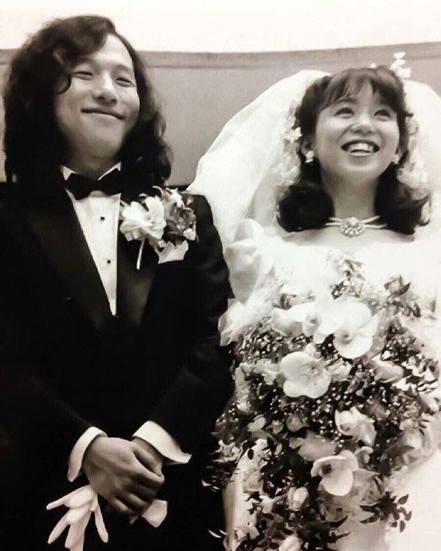 山下達郎さんと竹内まりあさんの結婚式の写真