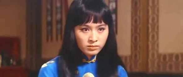中国人女性を演じられていた小巻さんの写真