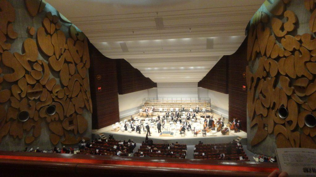 3階の客席から見たステージの眺め