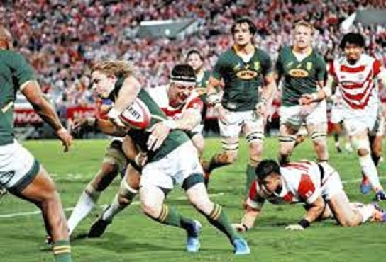 攻撃する南アフリカの選手