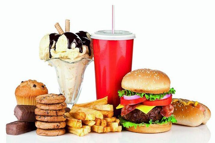 満腹でもさらに食べてしまう食物の写真