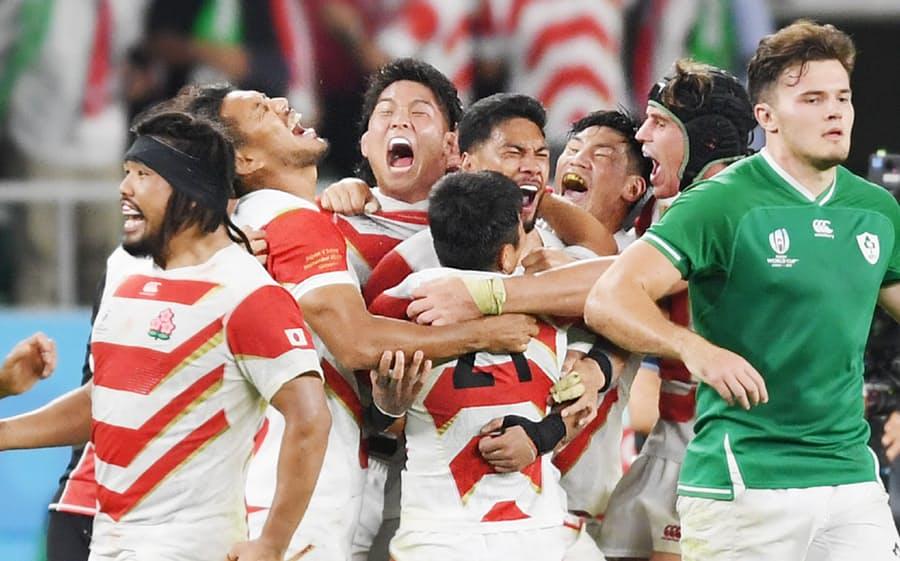大喜びするジャパンの選手