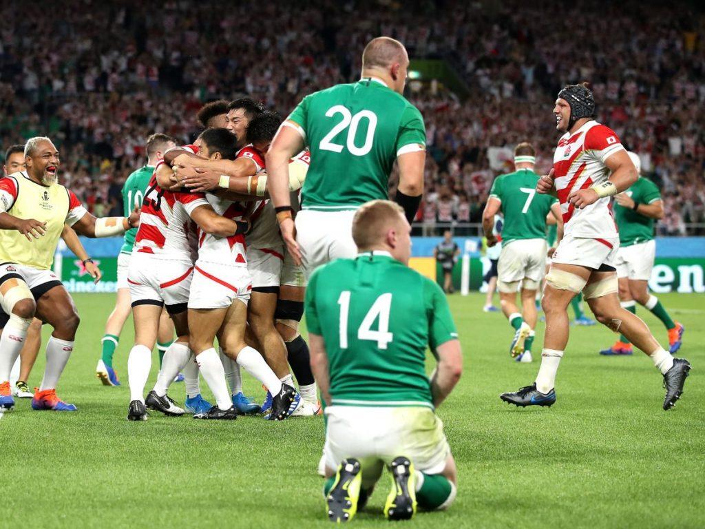 肩を落とすアイルランドの選手