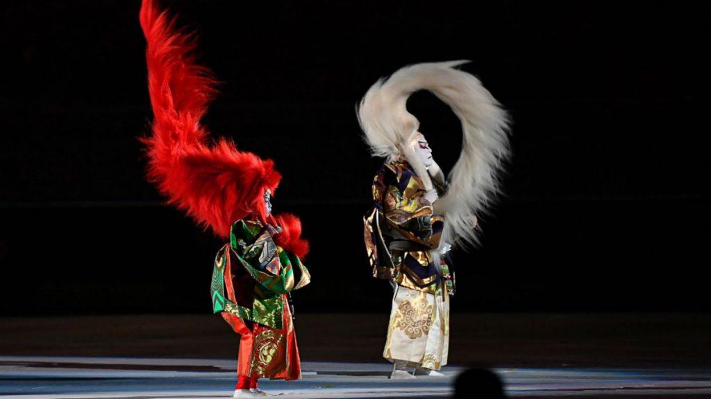 連獅子を舞う歌舞伎役者